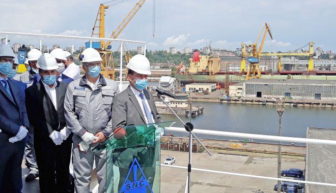 Premierul Ludovic Orban, în vizită la Constanța. Întâlnire de lucru, la Șantierul Naval Constanța - orbansnc-1595502793.jpg