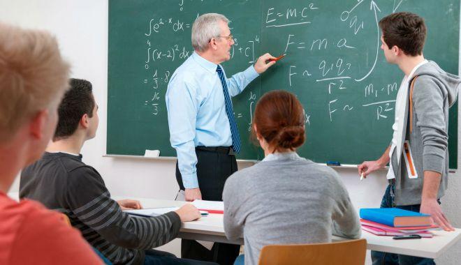 Foto: Universitatea Maritimă oferă ore de pregătire la matematică pentru elevii constănțeni