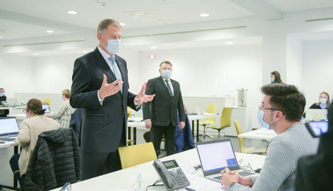 Klaus Iohannis a vizitat Call center-ul DSP Bucureşti - originalvizitadsparenanationala2-1606652804.jpg