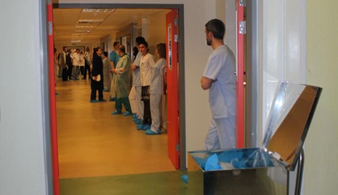 Cea mai modernă secție de ortopedie din țară s-a inaugurat la Constanța - ortopedie6-1332950633.jpg