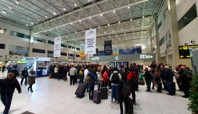 Un pasager suspect de coronavirus a ajuns pe Aeroportul Otopeni. A fost transportat la Institutul de Boli Infecțioase Matei Balș - otopeni-1579972530.jpg