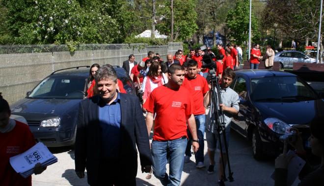 Ion Ovidiu Brăiloiu și-a depus candidatura pentru un nou mandat de primar - ovidiubrailoiu2-1335795541.jpg
