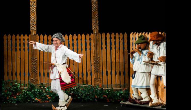 Foto: Păcală urcă pe scena Teatrului de Vară Jupiter