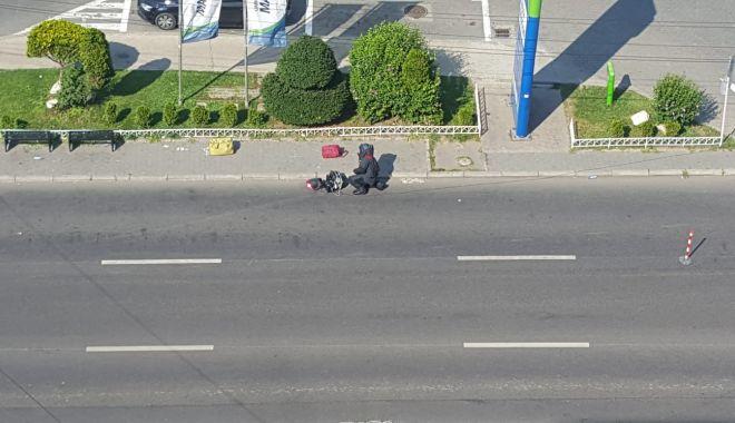 Alertă în cartierul Tomis Nord! Pachete suspecte, abandonate pe bulevardul Tomis. Poliția, la fața locului - pachete-1595253931.jpg