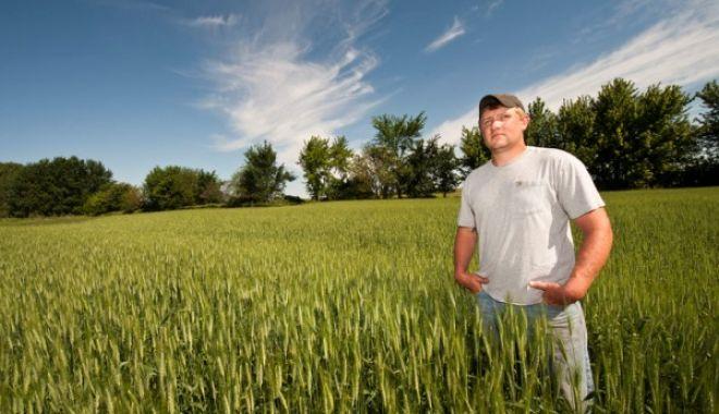 Foto: Terenuri pentru tinerii fermieri, promite ministrul Agriculturii