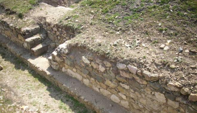 Ulmetum, cetatea uitată  a Constanței, ținută departe de turiști - pantelimon908-1431445267.jpg