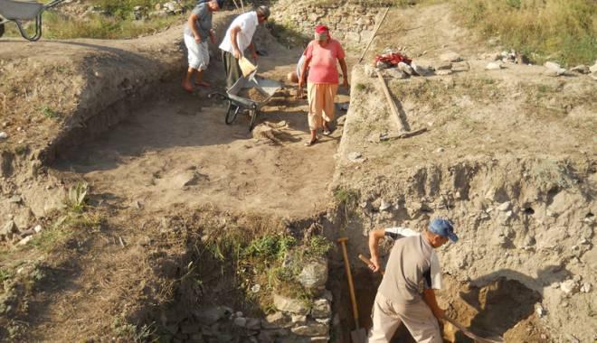Ulmetum, cetatea uitată  a Constanței, ținută departe de turiști - pantelimona0-1431445252.jpg