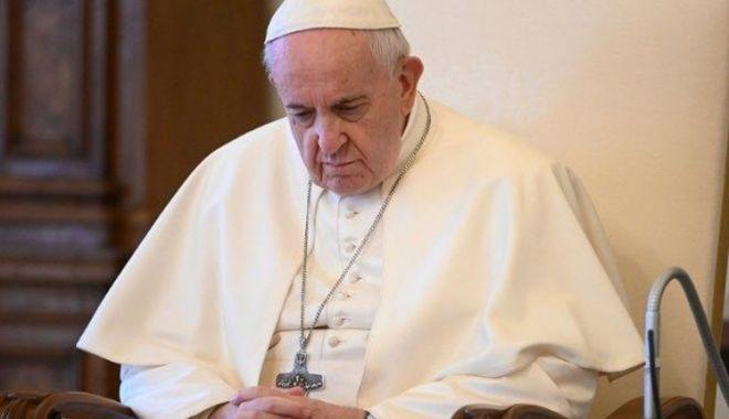 Papa Francisc începe o vizită istorică în Irak - papafran-1614884200.jpg