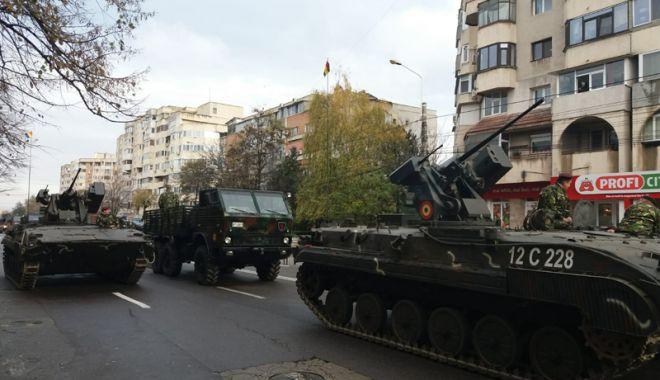 Paradă militară și fasole cu cârnați,  de 1 Decembrie, la Constanța - paradamilitara-1543427773.jpg