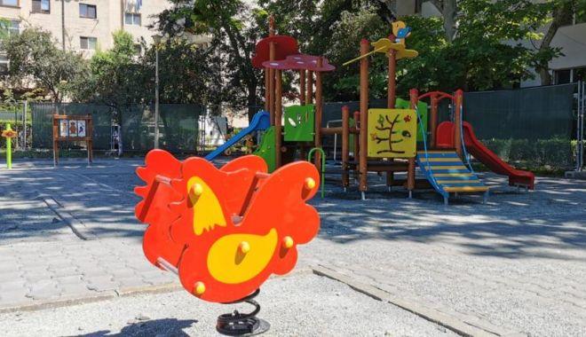 """Foto: Continuă lucrările de modernizare a parcului """"Dragoslavele"""""""