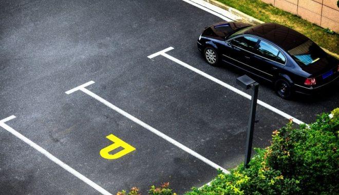 Crimă oribilă. Un bărbat a fost omorât pentru un loc de parcare - parcare-1623392085.jpg