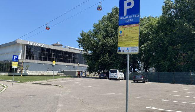 Parcare la liber în staţiunea Mamaia. Taxa nu mai este obligatorie în afara sezonului estival - parcarelaliber-1632489083.jpg
