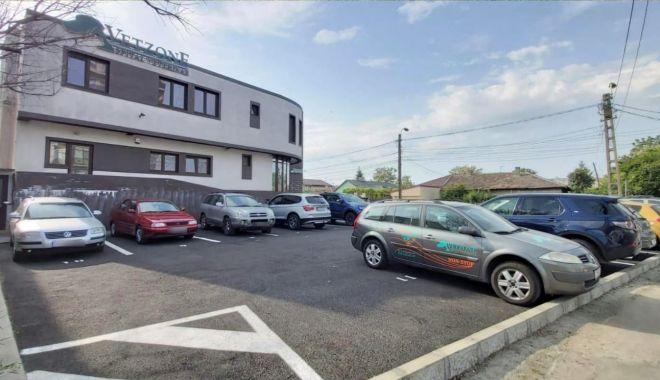 Foto: O nouă parcare rezidențială a fost amenajată pe strada Dezrobirii