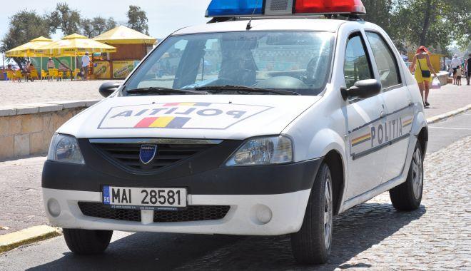 Parfumuri contrafăcute, de vânzare pe străzile din Costinești - parfumuriconfiscate-1594403634.jpg