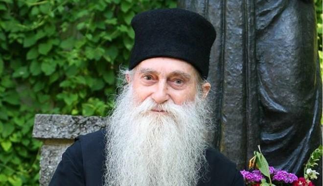 Foto: In Memoriam părintele Arsenie Papacioc