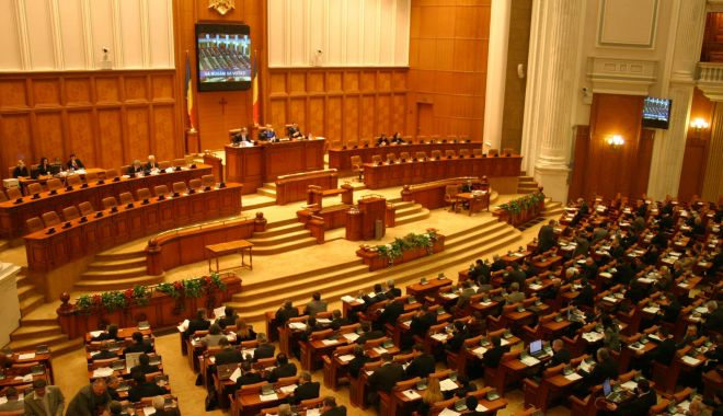 Foto: Parlamentul se întrunește pentru învestirea Guvernului Orban
