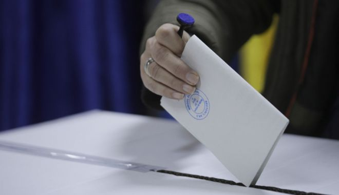 Românii din Marea Britanie, primii la votul prin corespondenţă - parlamentare2020-1603349912.jpg