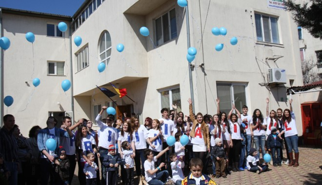 Foto: Parteneriat pentru copiii autiști din Constanța