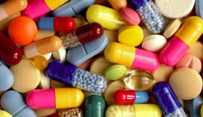 Student internat în stare gravă după ce a luat 16 pastile pentru a-și trata o viroză - pastile-1574005378.jpg