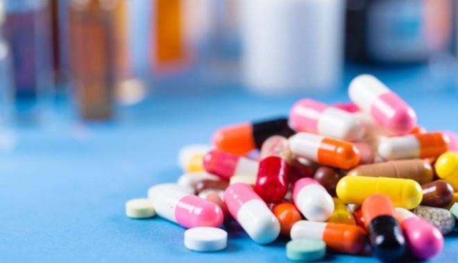 Teste promițătoare pentru un nou medicament anti-COVID - pastile-1615107666.jpg