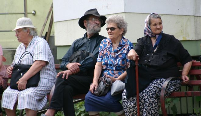 Foto: Pensionarii, dornici să plece la tratament. Biletele, acordate în funcție de punctaj