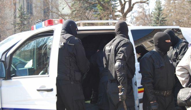 Foto: PERCHEZIȚII / Două persoane reținute pentru proxenetism!