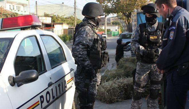 Foto: Percheziții în Agigea, la hoți din locuințe