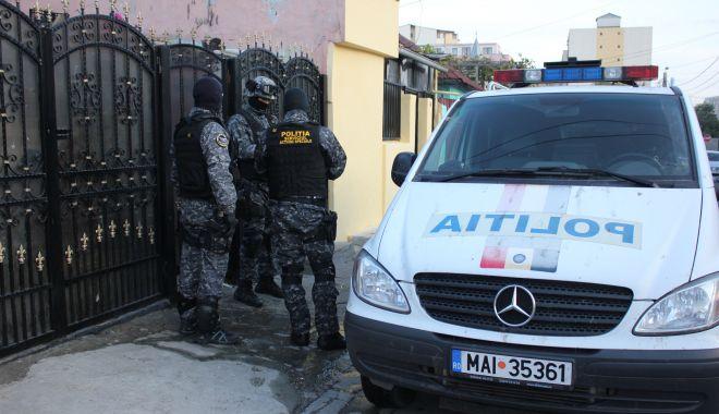 Foto: Percheziții la traficanți de droguri din Constanța și Medgidia