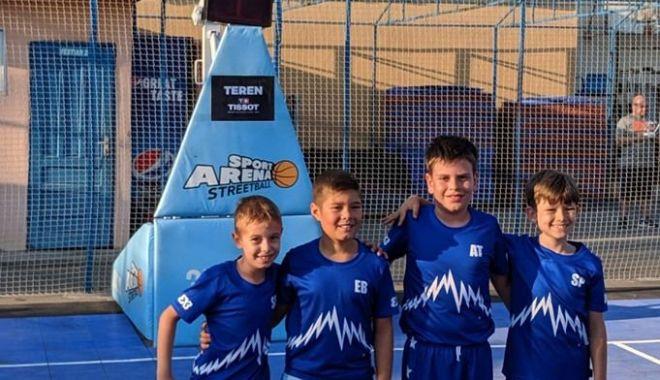 """Foto: """"Seas Gladiators"""", învingători în turneul de baschet 3x3 de la București"""