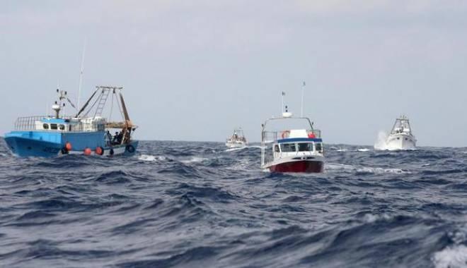 Foto: TRAGEDIE PE MARE! Un român MORT și alți doi DISPĂRUȚI, după scufundarea unui pescador