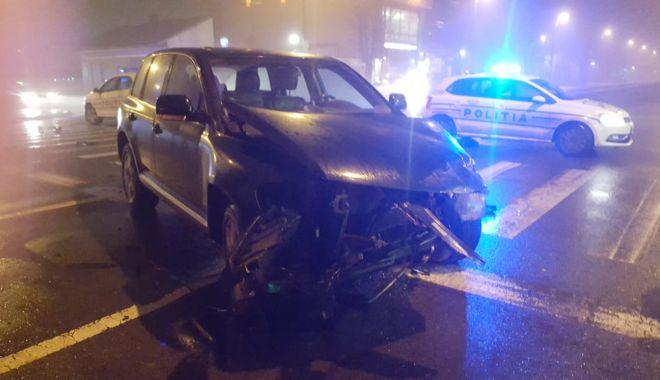 Foto: GALERIE FOTO / Accident rutier pe bulevardul I.C.Brătianu. Două persoane au fost rănite