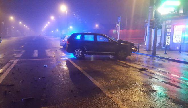 GALERIE FOTO / Accident rutier pe bulevardul I.C.Brătianu. Două persoane au fost rănite - photo201901260949152-1548493221.jpg