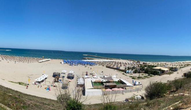GALERIE FOTO / Poliția cere restricționarea accesului autovehiculelor pe plajă, în cartierul Faleză Nord - photo202007121639202-1594626322.jpg
