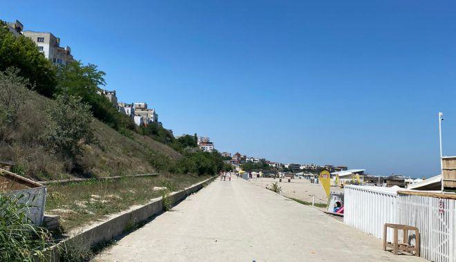 GALERIE FOTO / Poliția cere restricționarea accesului autovehiculelor pe plajă, în cartierul Faleză Nord - photo202007121639204-1594626174.jpg