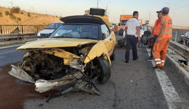 """Foto: Accident pe Autostrada Soarelui. """"Vă rugăm să circulați cu prudență!"""""""