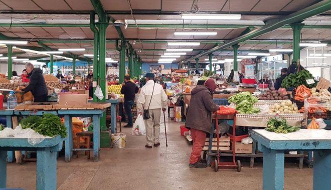 Profitorii încep să facă legea în piețele din Constanța! - piata-1584438102.jpg