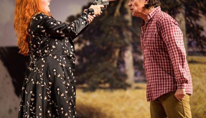 """Foto: Piesa """"Ursul"""", un spectacol pentru toți la Teatrul de Stat Constanța"""