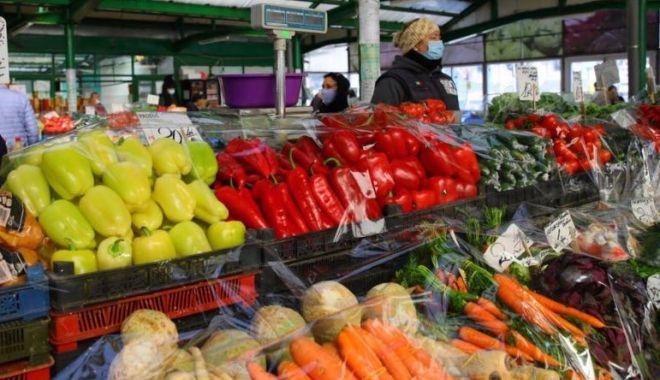 Foto: Program prelungit pentru vârstnici, în piețele din Constanța
