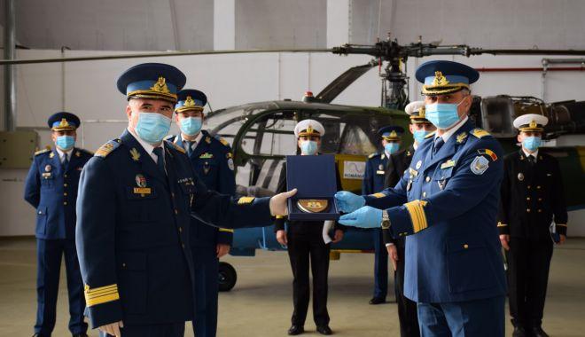 Cei mai recenți piloți navali se perfecționează la Grupul de Elicoptere de la Tuzla - pilotinavali3-1614799850.jpg