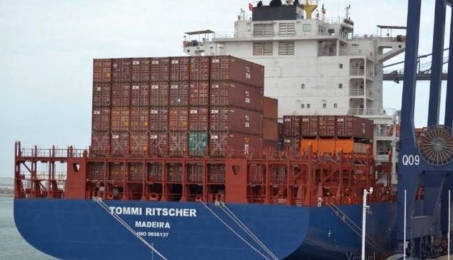 """Foto: TEROARE pe portcontainer. Informații de ULTIMĂ ORĂ despre navigatorii răpiți de pe """"Tommi Ritscher"""""""