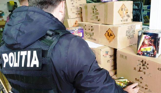Percheziții în Năvodari. Au fost confiscate aproape o tonă de articole pirotehnice - pirotehnice-1573768641.jpg