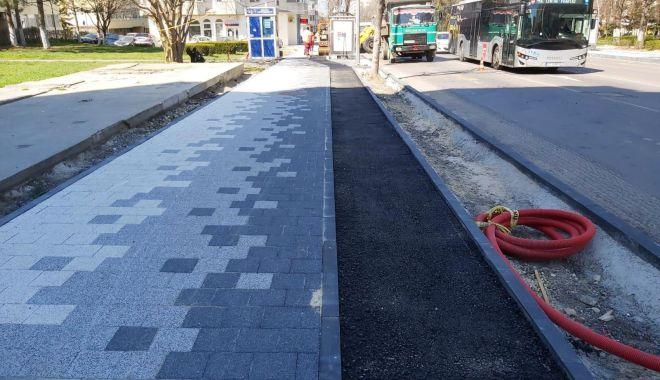 Primăria Constanța amenajează piste pentru bicicliști, pe trotuarele bulevardului Tomis - pistebiciclete-1586193922.jpg