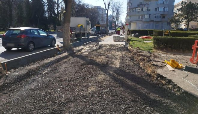 Primăria Constanța amenajează piste pentru bicicliști, pe trotuarele bulevardului Tomis - pistebiciclete1-1586193971.jpg