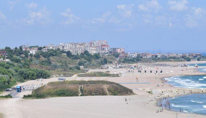 Plajele românești, sufocate de plastic și pline de mucuri de țigară - plaja-1570994407.jpg