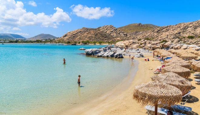 Ce se întâmplă cu românii diagnosticați cu Covid-19 în timpul vacanței în Grecia - plaja1-1593769048.jpg