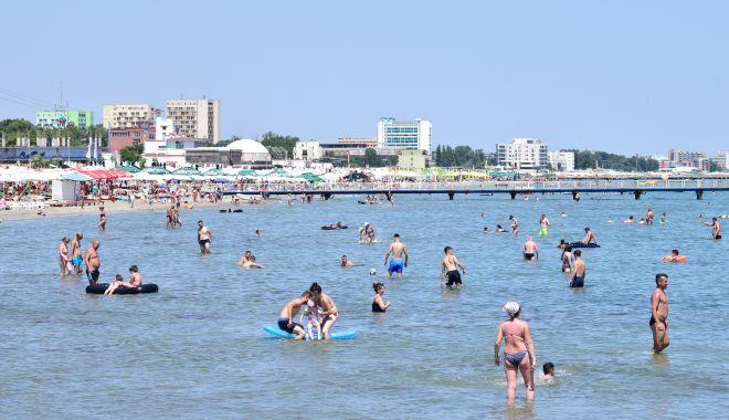 Prefectul George Niculescu a sunat adunarea! Primul weekend cu mii de turiști, pe litoral - plajamamaia2-1591379944.jpg