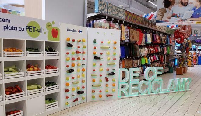 Foto: Plata cu pet-ul, la Carrefour Constanța. Primești la schimb fructe și legume românești
