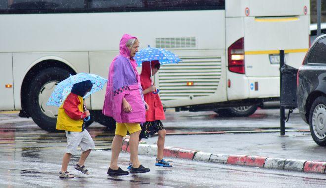 Foto: Ploi și furtuni, astăzi, la Constanța
