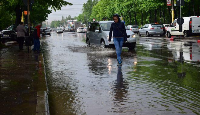 Se schimbă vremea, la Constanţa. PLOI TORENŢIALE, VIJELII şi GRINDINĂ, în următoarele zile - ploi-1623138160.jpg