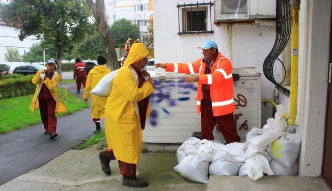 Foto: Primăria Constanța, pregătită pentru ploile anunțate. Unde puteți suna în caz de nevoie